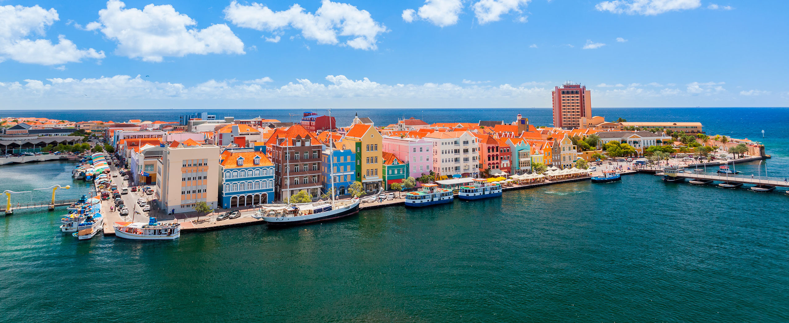 Panoramic View Of Willemstad Curacao Sea Horizon Apartments